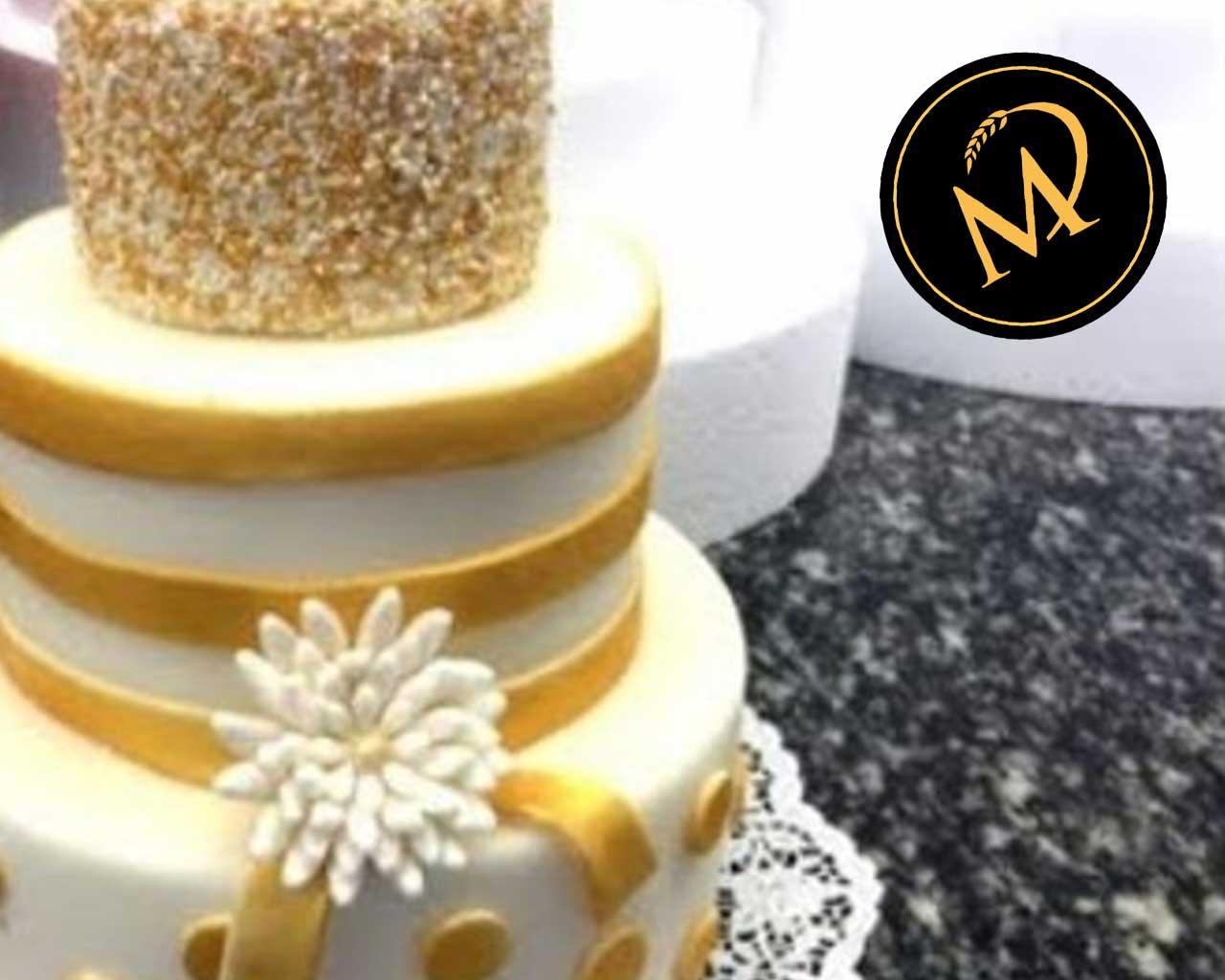 3-stöckige Hochzeitstorte in Gold - Rezept Marcel Paa