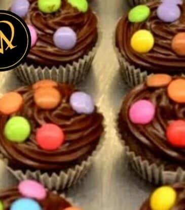 Schokoladen Cupcake mit Smarties