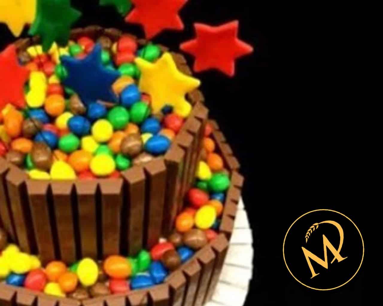 Schokoladentorte mit Kitkat und M&M - Rezept Marcel Paa