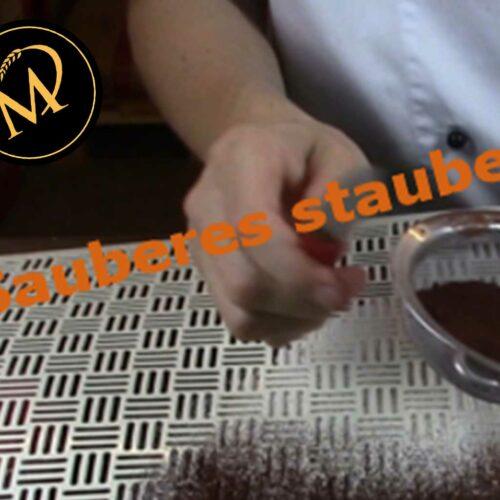 Kakaopulver & Puderzucker stauben