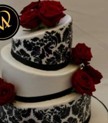 3-stöckige Topsy Turvy Hochzeitstorte
