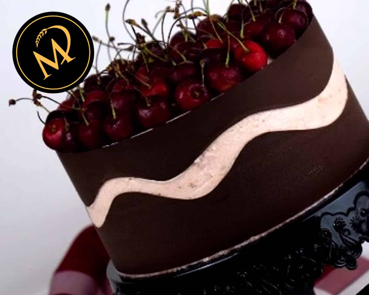 Kirschen Fault Line Cake - Rezept Marcel Paa
