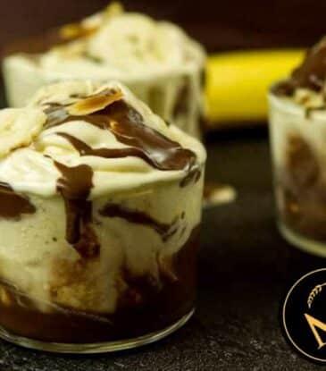 Bananen Joghurt Eiscreme Becher